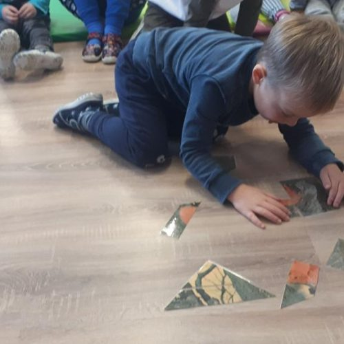 Układamy puzzle.